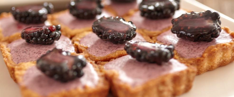Tortenbär Bio Torten Hessen Sommer Sweet Table Hochzeit7.jpg