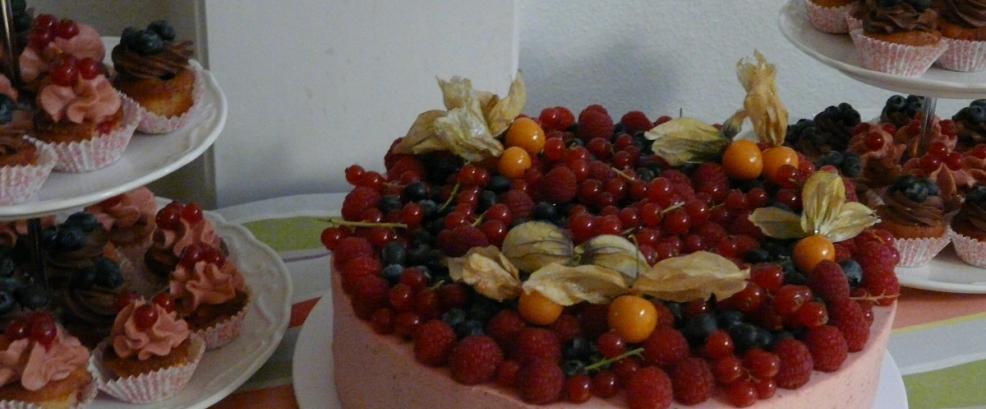 Tortenbaer Hochzeitstorte bestellen Bad Nauheim ST Cupc5.jpg
